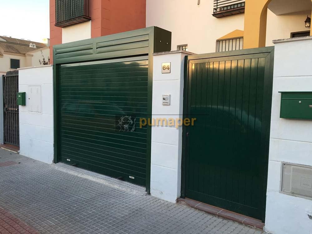 Cierre enrollable aluminio para garaje y puerta peatonal for Puerta garaje