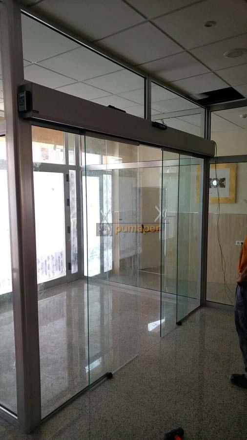 Puerta autom tica de cristal instalada en barbate c diz for Puertas automaticas cristal