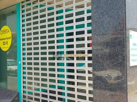 cierres enrollables troquelado en Chipiona