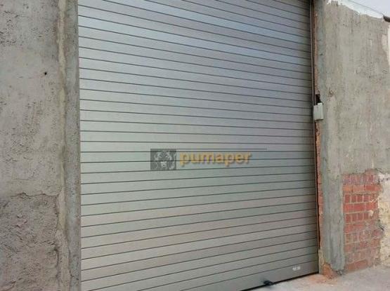 Cierre enrollable de aluminio de seguridad, Las Cabezas de San Juan.